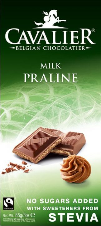 """""""Cavalier"""" belgiškas pieniškas šokoladas su pralinė įdaru. Su saldikliais (saldinta steviolio glikozidu).Be pridėto cukraus(produkto sudėtyje yra natūralių cukrų). Kakavos mažiausiai yra 36%. Turi daug skaidulinių medžiagų."""